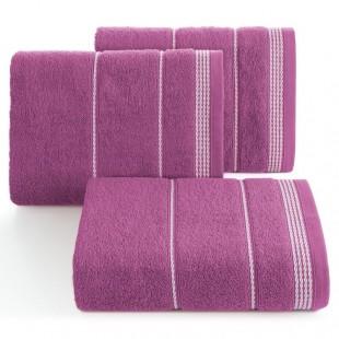 Bordový bavlnený uterák s ozdobným vzorom