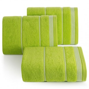Zelený bavlnený uterák s ozdobným vzorom