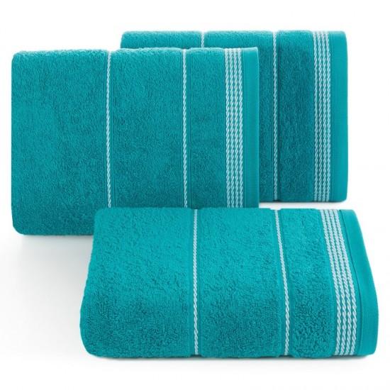 Tyrkysový bavlnený uterák s ozdobným vzorom