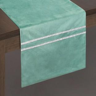 Zelený dekoračný behúň so striebornou dekoráciou