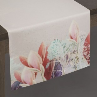 Ružovo-strieborný behúň s motívom kvetov