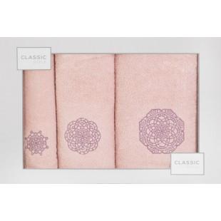 Sada 3 ručníkov v ružovej farbe s geometrickým vzorom