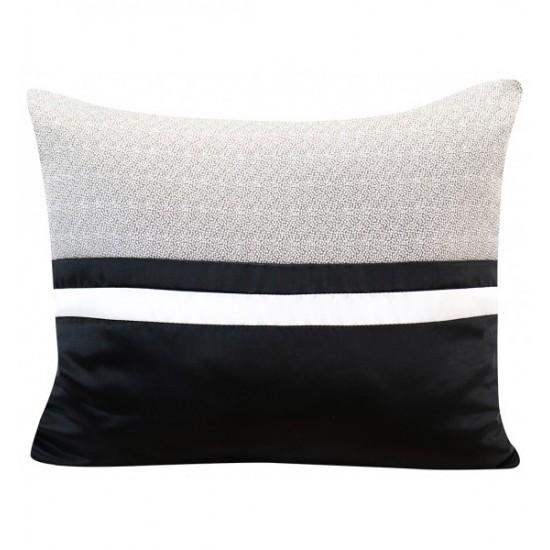 Elegantná čierno bielo stireborná obliečka na vankúšik