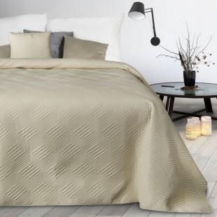 Krémový mäkký prehoz na posteľ s cik-cak vzorom