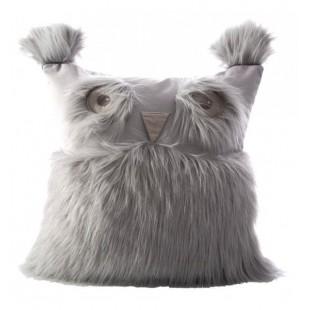 Chlpatá dekoračná obliečka na vankúšik striebornej farby v tvare sovy