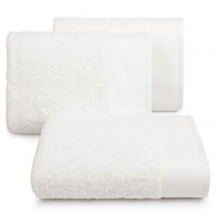 Krémový bavlnený kúpeľňový ručník