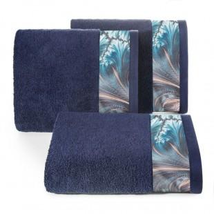 Modrý bavlnený kúpeľňový ručník so vzorom