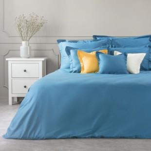 Modrý dekoračný prehoz na posteľ zo saténovej bavlny
