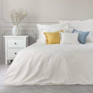 Krémový dekoračný prehoz na posteľ zo saténovej bavlny