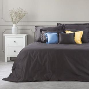 Čierny dekoračný prehoz na posteľ zo saténovej bavlny