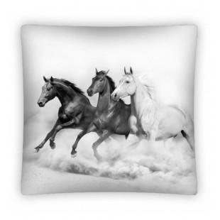 Sivá obliečka na vankúš s motívom cválajúcich koní
