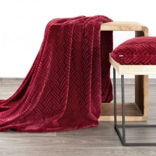 Bordová mäkká deka so vzorom