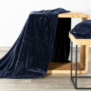 Tmavomodrá mäkká deka so vzorom