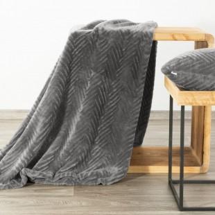 Sivá mäkká deka so vzorom