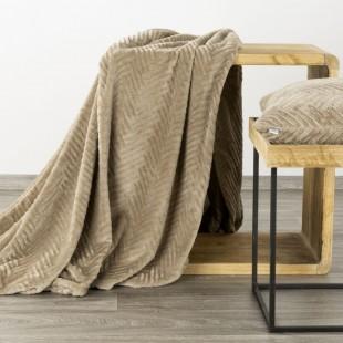 Béžová mäkká deka so vzorom