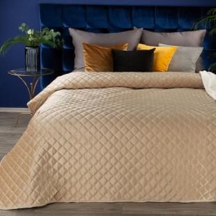 Béžový zamatový jemný prehoz na posteľ