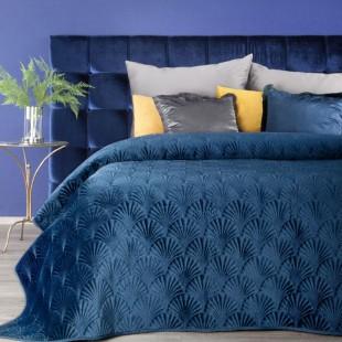 Tmavomodrý vzorovaný zamatový prehoz na posteľ