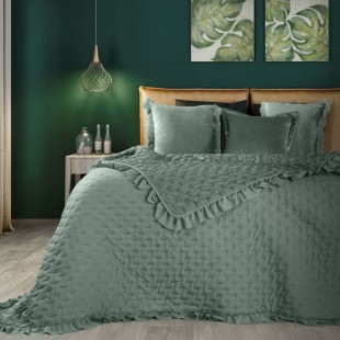 Zelený dekoračný prehoz na posteľ