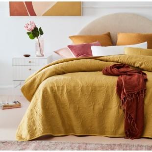 Horčicový dekoračný prehoz na posteľ s krásnym motívom