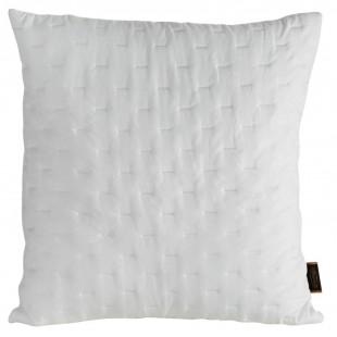 Biela dekoračná obliečka na vankúš s prešívaním