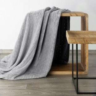 Sivá mäkká vzorovaná deka