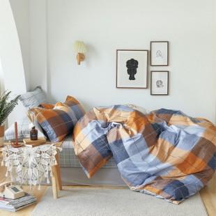 Modro-hnedá posteľná obliečka z bavlneného saténu s károvaným vzorom