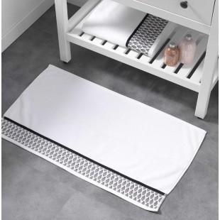 Biely bavlnený kúpeľňový koberček s lístočkami