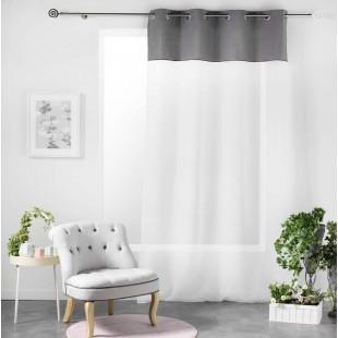 Biela záclona so sivým ozdobným pásom