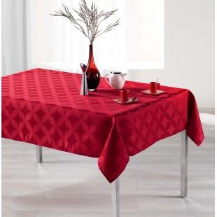 Elegantný červený vzorovaný obrus na stôl