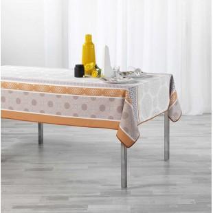 Béžový obrus na stôl so vzorom