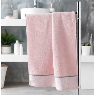 Ružový  bavlnený kúpeľňový ručník so vzorom
