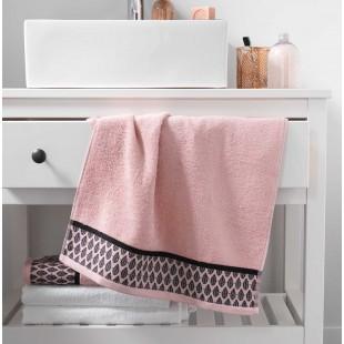 Ružový bavlnený ručník s čiernym vzorom