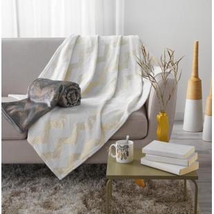 Sivá plyšová deka so zlatým cik-cak vzorom