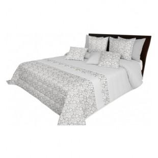Svetlo sivá prikrývka na posteľ s elegantnými kvietočkami