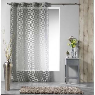 Sivá vzorovaná záclona so zavesením na kruhy