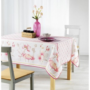 Biely obrus na stôl s kvetinovým motívom