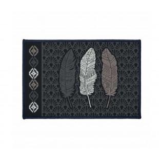 Čierny vzorovaný dekoračný koberček s motívom pierok