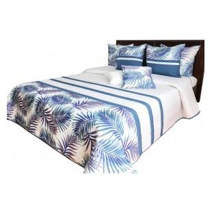 Moderný tmavo modro biely elegantný prehoz na posteľ s prešívaním a motívom palmových listov
