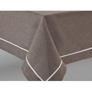 Hnedé prestieranie na stôl s ozdobným pásikom