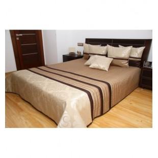 Orechovo pieskový elegantný prehoz na posteľ s tmavohnedými pruhmi