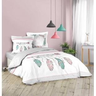 Biela posteľná obliečka s farebnými pierkami