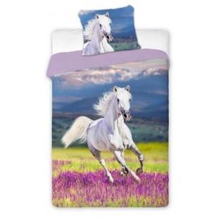 Fialová posteľná obliečka s koníkom