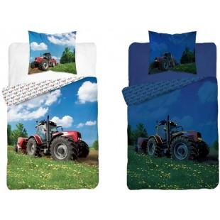 Biela  v tme svietiaca posteľná obliečka s červeným traktorom