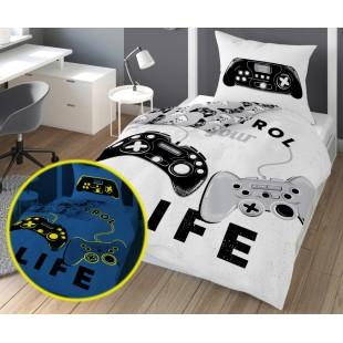 Biela v tme svietiaca posteľná obliečka s nápisom