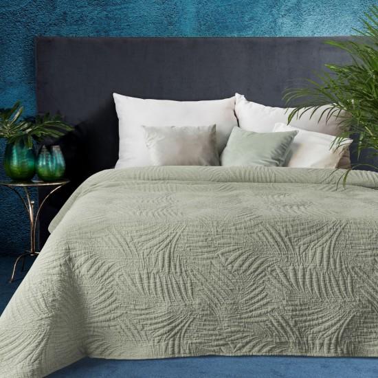 Zelený elegantný dekoračný prehoz na posteľ s prešívaním