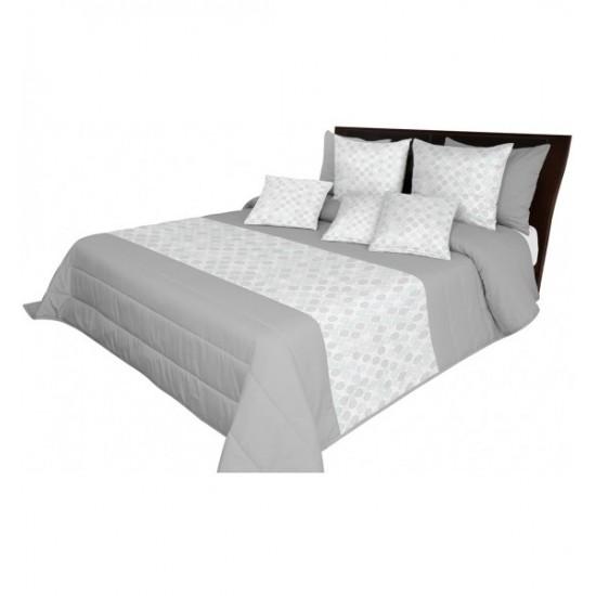 Prešívaný prehoz na posteľ s bielo sivým vzorom