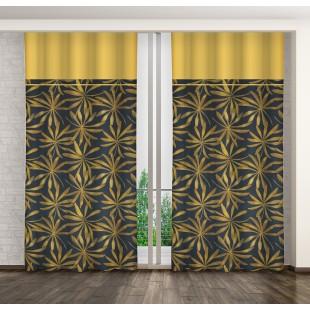 Tmavomodrý záves so žltým pásom a zlatým rastlinným motívom