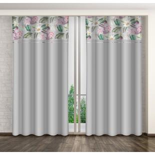 Sivý záves s ružovými kvetmi a riasiacou páskou