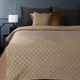 Béžový zamatový prehoz na posteľ so vzormi