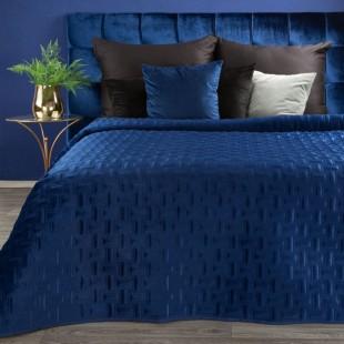 Modrý zamatový prehoz na posteľ s prešívaním